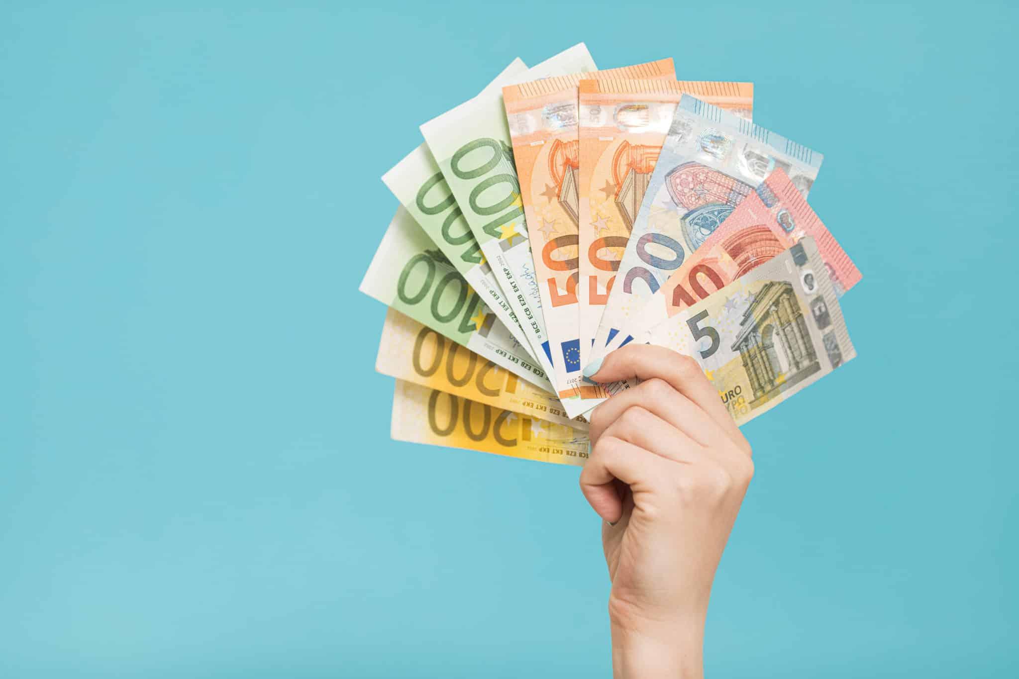 Lorsque le bien loué change de propriétaire, qui doit restituer le dépôt de garantie au locataire ?