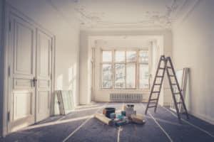 Qui supporte le coût des travaux : locataire ou propriétaire ?